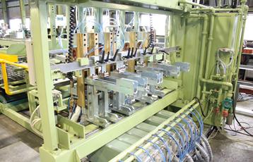 基礎鉄筋用半自動金網溶接装置